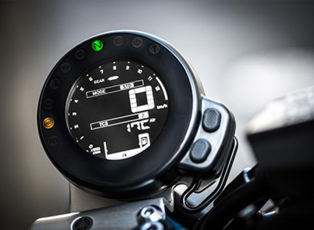 画像: YAMAHA's D-MODE allows rider to change the engine characteristic in three modes www.yamaha-motor.co.jp