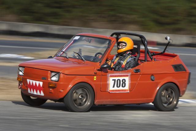 画像: 「ギュワーン」って言ってそう www.autocar.jp