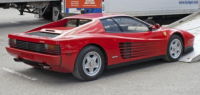画像: Ferrari Testarossa en.wikipedia.org