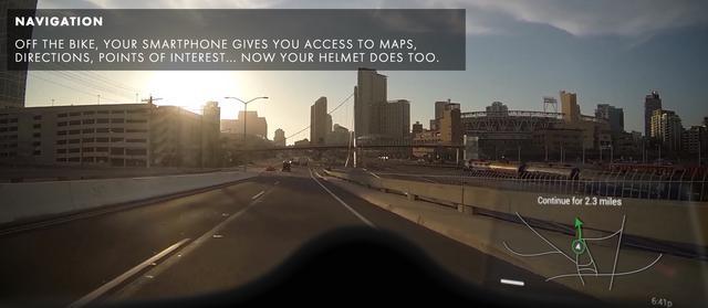 画像: 画面の右下に見えているのがディスプレイ画像。シールドに浮くように表示される。 www.ridenuviz.com