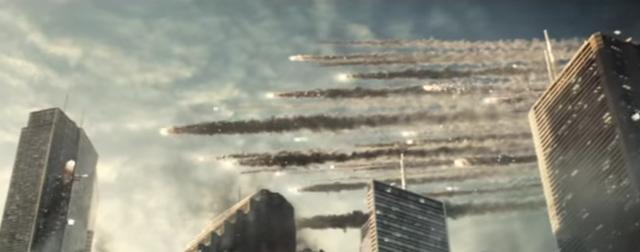 画像: 宇宙から飛来したエイリアンにより破壊されていく街 wwws.warnerbros.co.jp