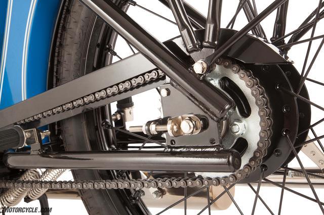画像: もちろんリジットフレームです。 www.motorcycle.com