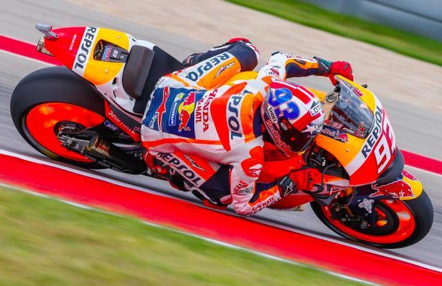 画像: 2位のJ.ロレンソに6秒以上の大差をつけて優勝したM.マルケス。アメリカラウンドでは敵なしです。 www.motogp.com