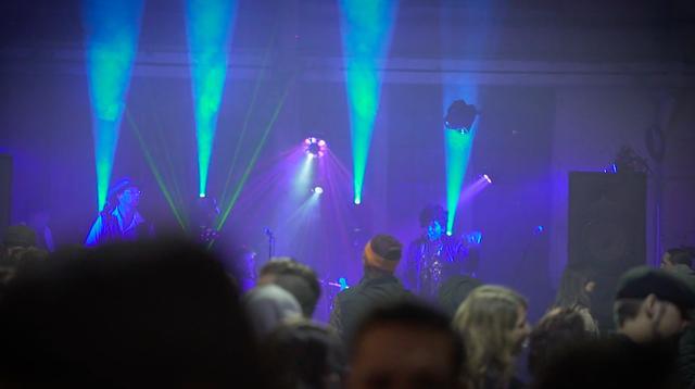 画像: 夜は各賞の表彰式、そしてロック&ロール・パーティで盛り上がります! the1moto.com