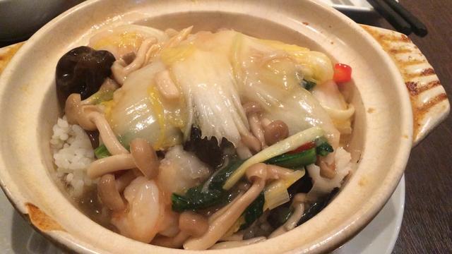 画像: 海鮮とオイスターソースの土鍋ご飯