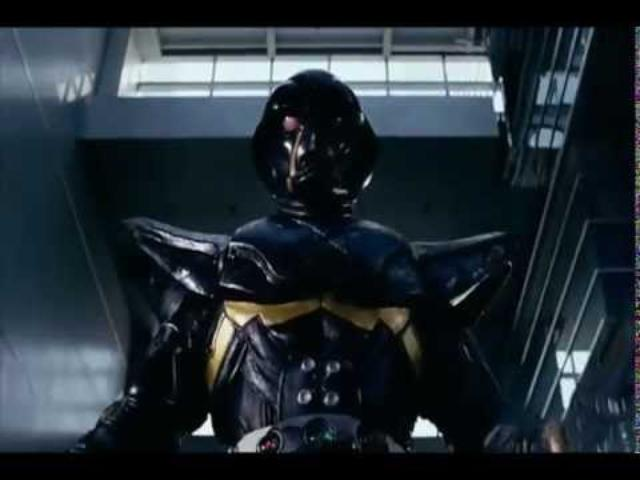 画像: わりと最近リメイクされた「人造人間ハカイダー」のハカイダーはVMAXに乗ってます www.youtube.com