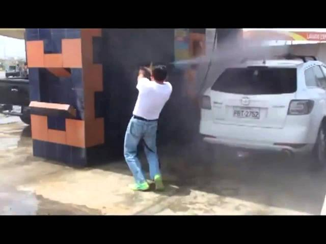 画像: How to not wash your car. youtu.be