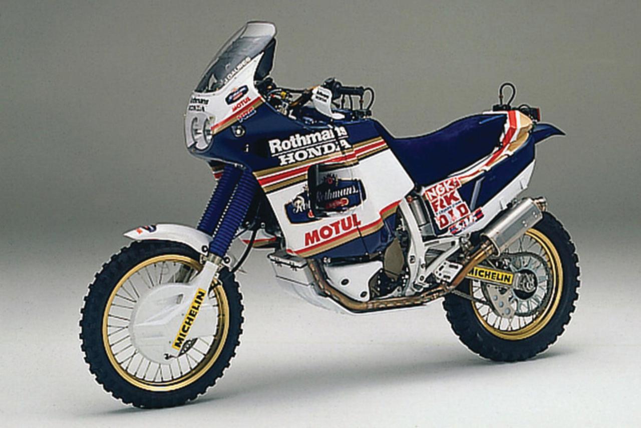 画像: NXR750といえばこの色!という人も多いでしょう。4連覇最後の1989年はロスマンズカラーでしたね。 www.motorradreisefuehrer.de