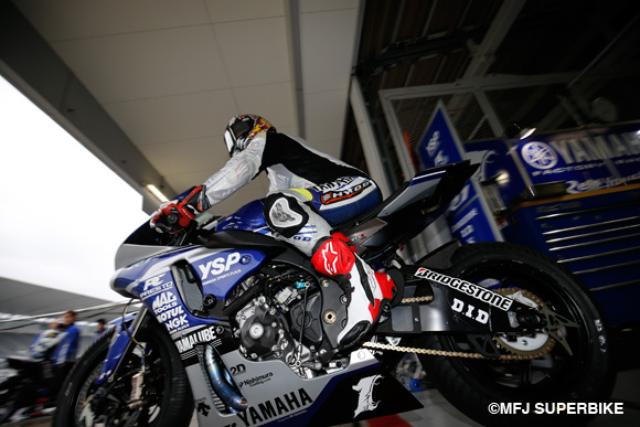 画像: 初日からトップスタートを見せた王者 中須賀選手 www.superbike.jp