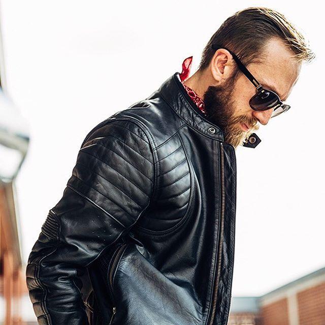 画像: 快適かつ安全性に優れたジャケット。 www.rolandsands.com