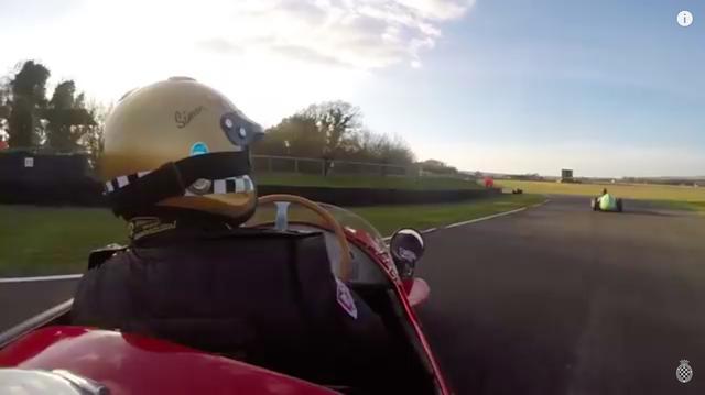 画像: サイモン・ディフィさんが駆るのは、名機マセラティ250Fです!! しかし、ハッスルしすぎたのかスピンを喫してしまいます・・・。 www.youtube.com