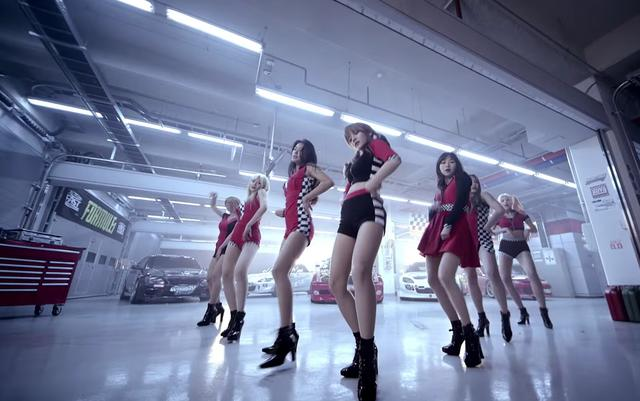 画像: 韓国のアイドルはみな脚が綺麗ですね・・・ aoa-official.jp