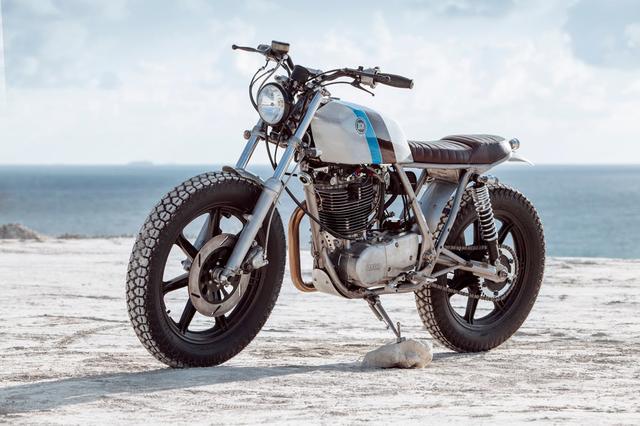 画像: Yamaha SR500 by Bunker Custom Cycles www.youtube.com