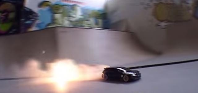 画像2: 【動画】ドリフトしまくる車!実はこの車、◯◯なんです!