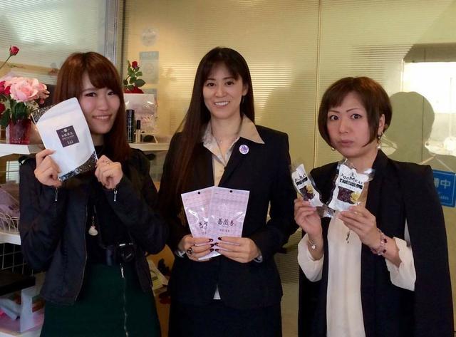 画像: 写真中央:飯泉薫代表