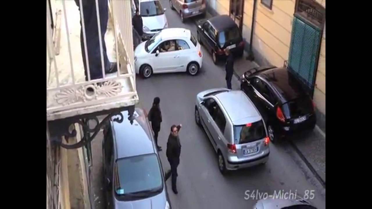 画像: Italy's worst driver on the road (Parking Fail in Naples) youtu.be