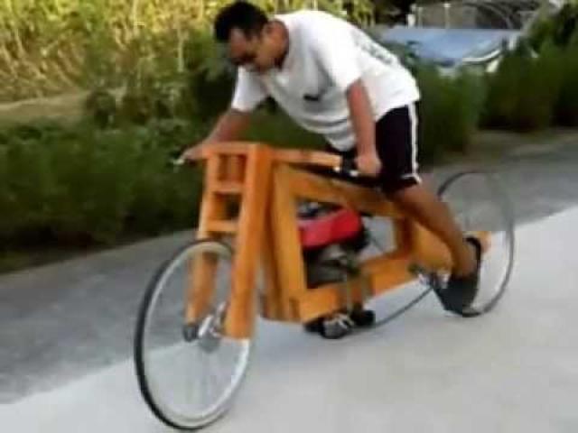 画像: Homemade Wooden motorcycle first test run youtu.be