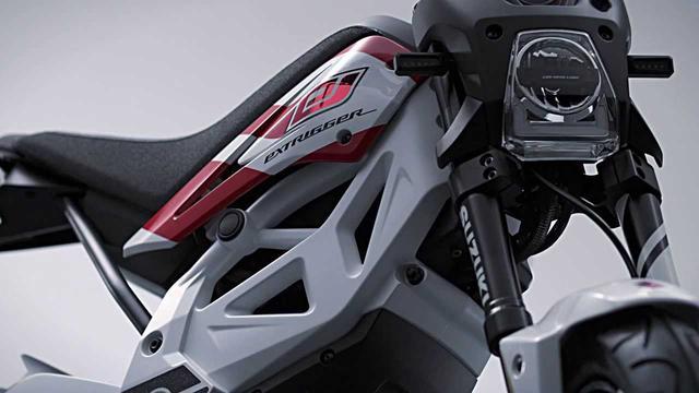 画像: Suzuki EXTRIGGER Concept youtu.be