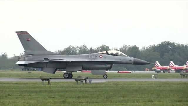 画像: ランボルギーニ アヴェンタドール vs F16 ファイティングファルコン youtu.be
