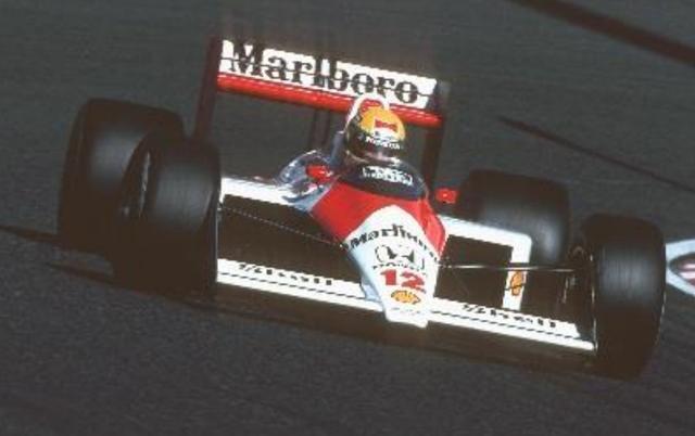 画像: McLaren-Honda MP4/4 (1988年) 【ドライバー:アイルトン・セナ】 全16戦中15勝を成し遂げたターボエンジン最終シーズンの最強マシン。 開幕から11連勝、ポールポジション15回、ポールトゥフィニッシュ14回、1-2フィニッシュ10回と圧倒的な強さでWタイトルを獲得した。