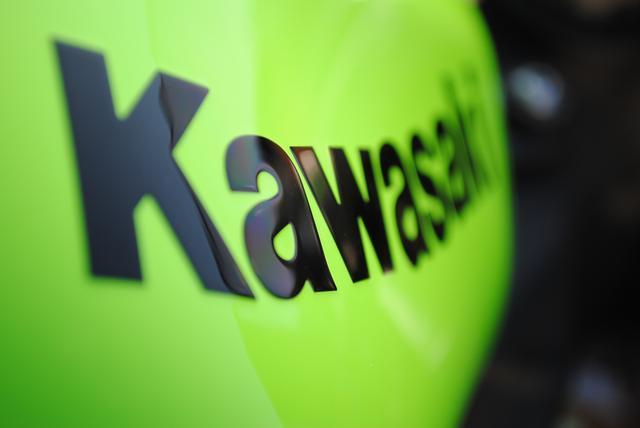 画像: 常に挑戦し続ける、カワサキ。その証である、誇り高きライムグリーンのマシン達。【1968~ A7RS】 - LAWRENCE - Motorcycle x Cars + α = Your Life.