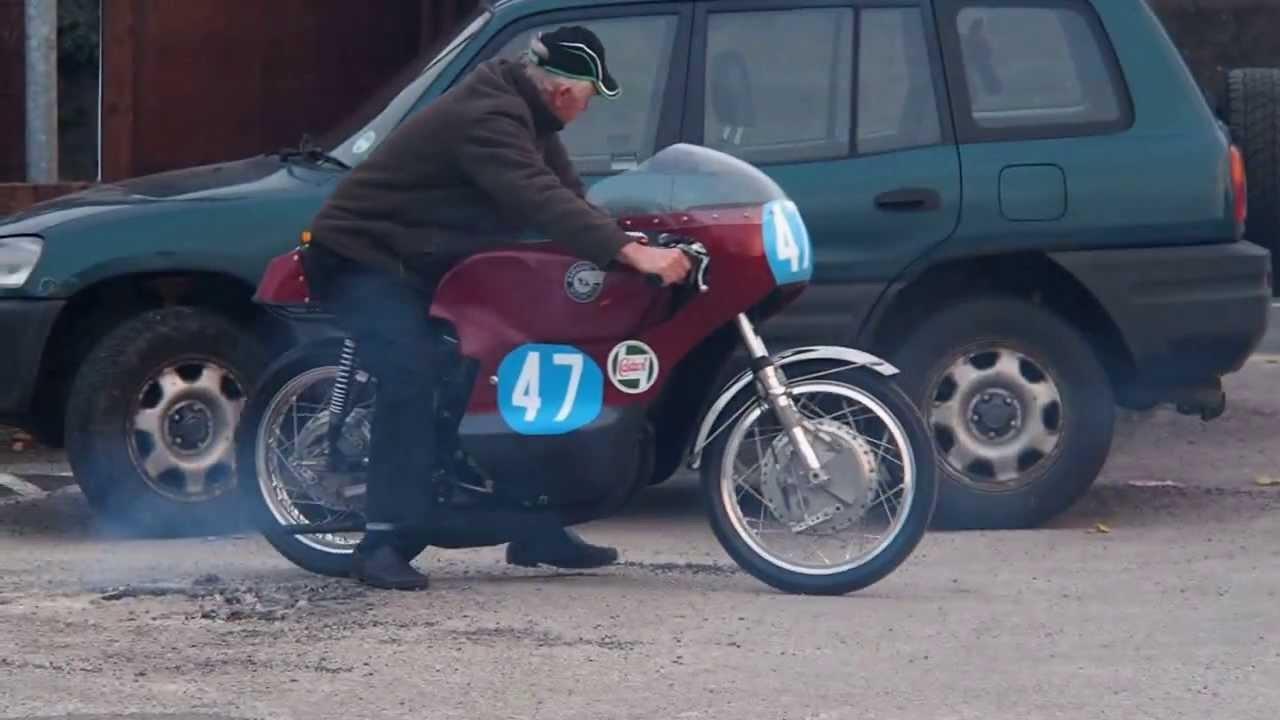 画像: DRMC Dave Thomas Kawasaki A1R 250 modified to 350 8/4/13 part3 www.youtube.com