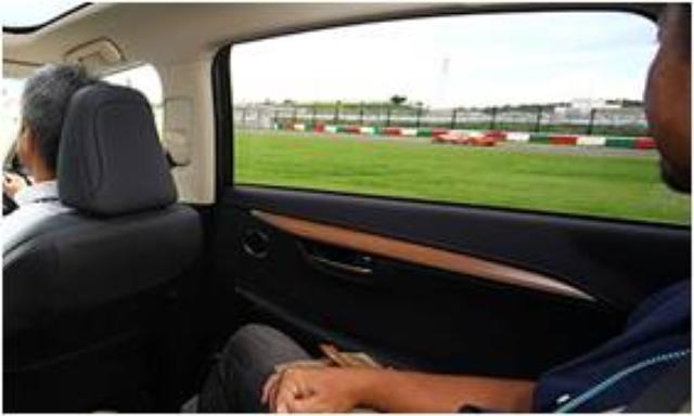 画像: 5.サービスロードツアー レース中に作業車や緊急車両のみが通行することができるコース至近のサービスロードをLEXUS車で巡ります。コースを疾走するマシンと同じ目線の高さが楽しめます。 ※ご自身では運転できない同乗プログラムです。予めご了承ください。 ※写真はイメージです prtimes.jp
