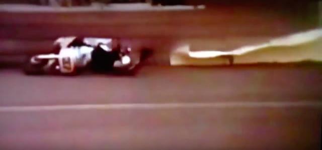 画像: こちらが「バッドエンド版」のシーン。シルバードリームレーサーと共に絶命するニック・・・こりゃないよって終わり方です。 www.youtube.com