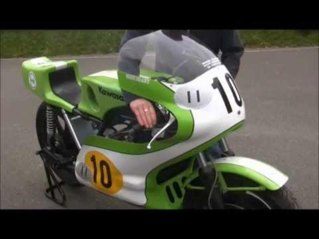 画像: Kawasaki H1R 500 Goodwood Festival of Speed 2012.wmv www.youtube.com