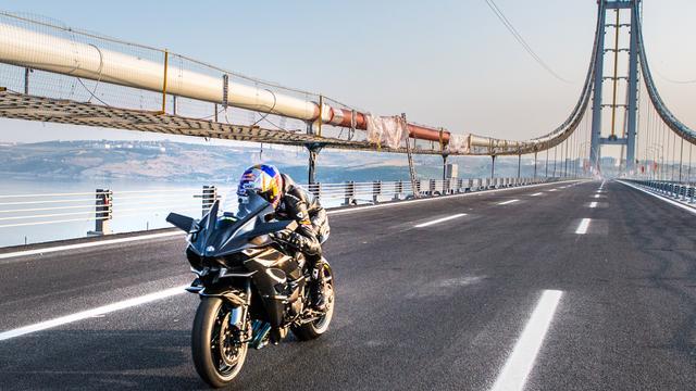画像: よ、よ、400km/h!!!! カワサキH2R、地上速度新記録を樹立! - LAWRENCE - Motorcycle x Cars + α = Your Life.