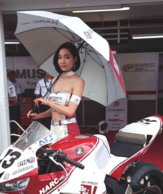 画像4: 【綺麗なお姉さんは好きですか?】 各チームのRQからチームを知ろう!!! 2016年 MFJ全日本ロードレース選手権Rd.5@スポーツランドSUGO vol.3