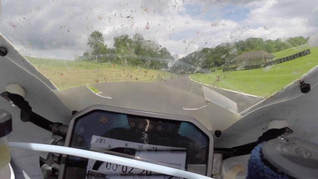 画像: Honda RC213V-S Padgetts On Board Lap Of Cadwell Park | OnBoard | Motorcyclenews.com youtu.be