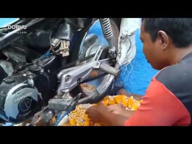 画像: Astig Corn thresher by Motorcycle youtu.be