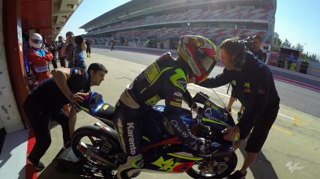 画像: 今年はKTMに乗り、Moto3を戦うマリア。 www.youtube.com