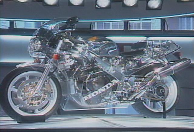 画像: 第27回東京モーターショーが開催された会場は、晴海でした。こちらは発表されたばかりのRC30。