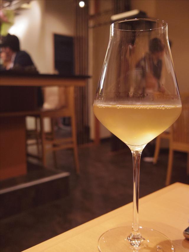 画像: 2杯目はオレンジワイン。 s.ameblo.jp