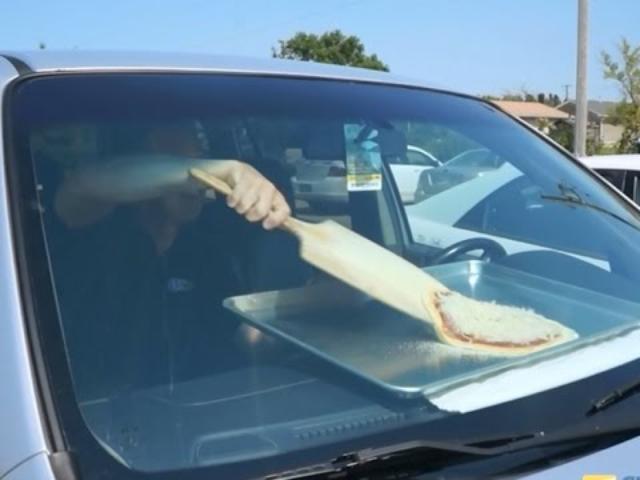 画像: Will Pizza Bake In A Hot Car? youtu.be