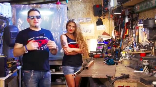 画像: 左がトッポいお兄さん、右がキレイなお姉さん(そんなキャプション必要ないですよね?)。 www.youtube.com