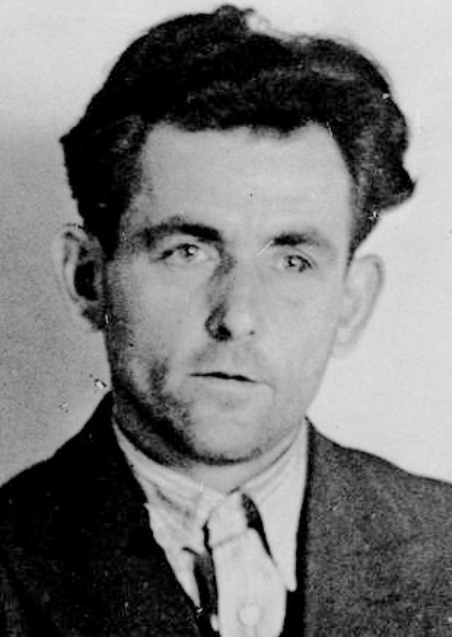 画像: ヨハン・ゲオルク・エルザー(Johann Georg Elser、1903年1月4日 - 1945年4月9日)は、ドイツの反ナチ運動家。アドルフ・ヒトラー暗殺未遂事件の首謀者として知られる。 ja.wikipedia.org