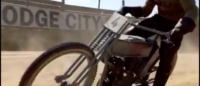 画像: 初期のハーレーダビッドソンがレースを疾走するシーンは迫力満点! これだけでも観たい!です。 www.facebook.com