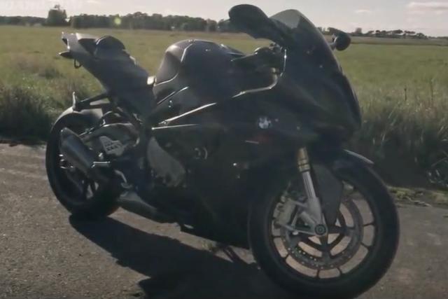 """画像2: 【動画】""""強者たちの戦い""""加速が速いのはブガッティ・ヴェイロン ?BMWS1000RR?"""