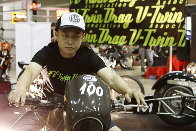 画像: MAIDS MOTORCYCLES 斎藤氏。V.D.A(ドラッグレース)の主催者としても活躍 maids-mc.com