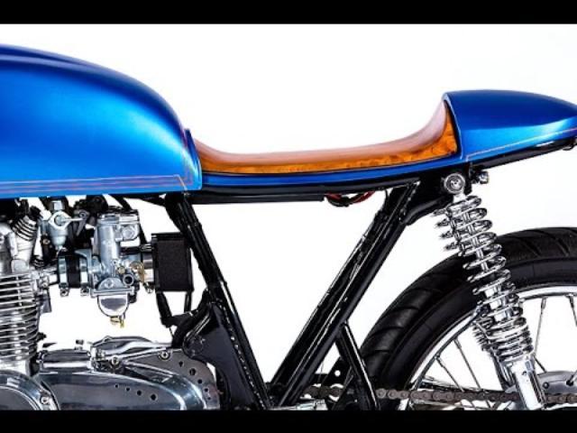 画像: Honda CB550 Cafe Racer by Monnom Customs www.youtube.com