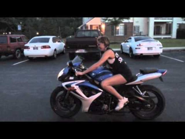 画像: Girl riding a Motorcycle - GSXR youtu.be