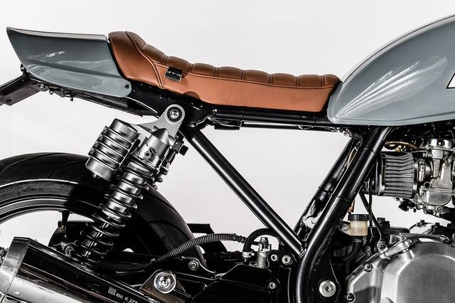 画像: Custom Kawasaki Zephyr 750 by Barn Built Bikes www.youtube.com