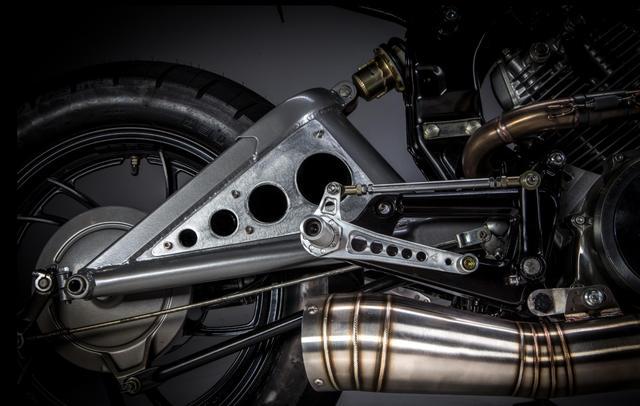 画像2: 米国カスタムビルダーMotoRelic のVirago500がメカメカ。