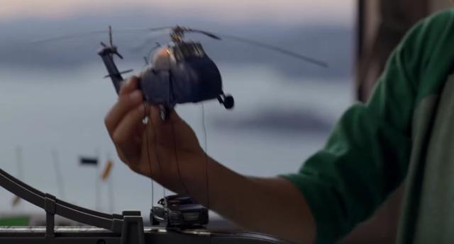 画像3: これは現実?それともミニチュアモデル? 駆け抜けるAudi TT、操るのはドライバー?それとも少年?