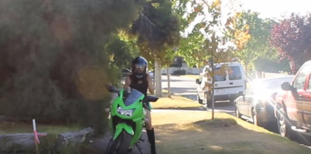 画像: 【お尻フェチ必見】Ninjaに乗ったセクシー忍者ガール現る!!