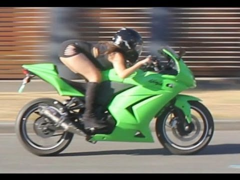 画像1: AZIAN NINJA GIRL JUST WANT TO HAVE FUN #blackdress ( Ninja Kawasaki 250r w/ Yoshimura exhaust ) youtu.be