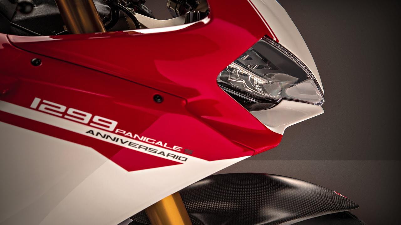画像: Ducati 1299 Panigale S Anniversario (unveiled at WDW2016) www.youtube.com